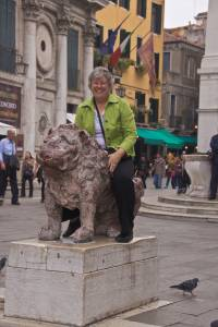 Getting friendly with a lion in San Marcos Square in Venice
