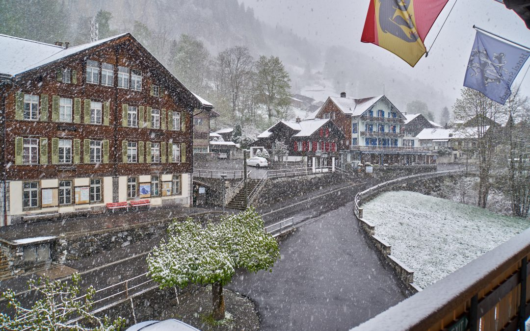 Snow in Lauterbrunnen