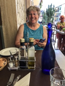 Karen and I enjoyed a break from laundry over lunch at il Pirata in Vernazza on Monday afternoon. How about that water bottle?
