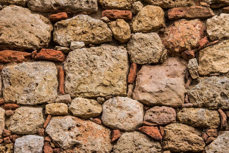 Stone wall in Monteriggiano