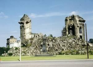 frauenkirche-ruine-1967_292